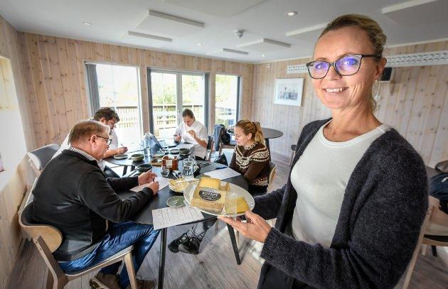 Det Norske Måltid leter etter det ypperste innen norsk mat og drikke, og har etablert seg som en av matbransjens viktigste og mest prestisjefylte prisutdelinger. Her med leder Kristin Austigard.
