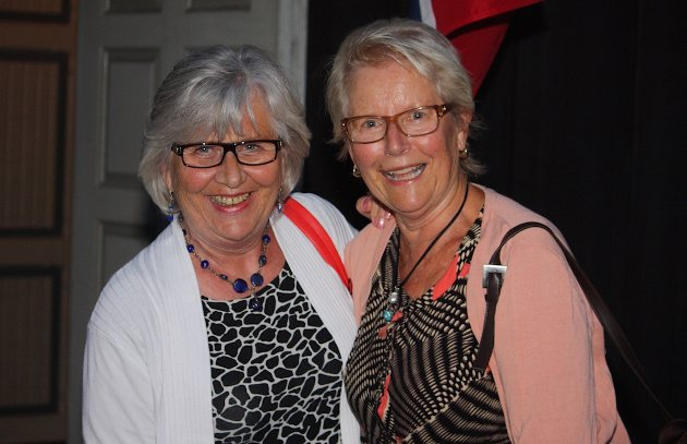 FORNØYD: Jorunn Flage og Wenche Wickmann synes kveldens konsert var verdt å få med seg. Foto: Sevda Barazesh