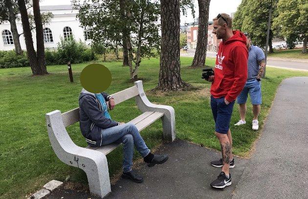BARNAS TRYGGHET: Nylig gikk Barnas Trygghet til aksjon i Kulåsparken, der de aksjonerte mot en kjent pedofil. De konfronterte mannen før de tilkalte politiet. Foto: Fredriksstad Blad