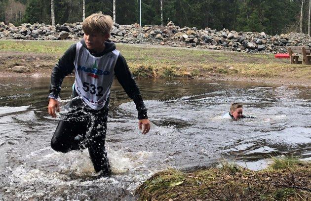 GJØRMELØPET 2021: Fra kryssing av den berømte Bestemorkulpen på Sørli søndag.