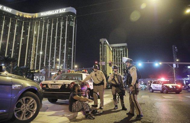 Etter massakren i Las Vegas 1. oktober er det blitt spredt videoer på nettet som påstår at massakren var en konspirasjon.
