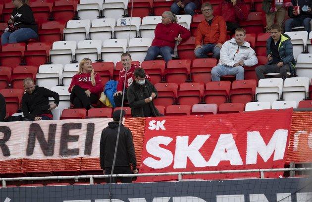 Supporterne viste sin misnøye med skandale-nachspielet i forrige hjemmekamp.