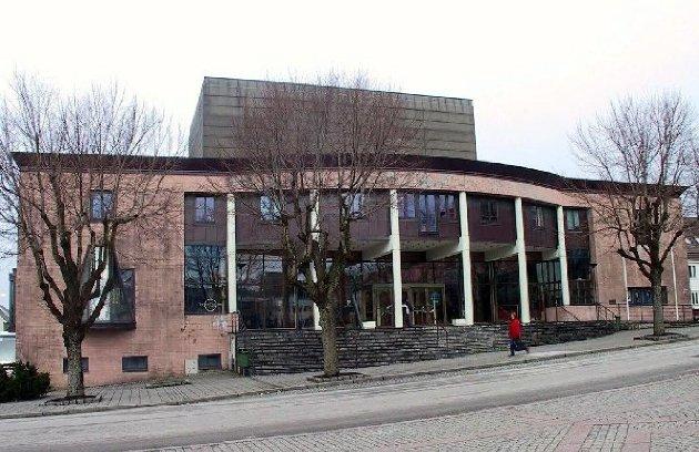 Festiviteten:  Godt egnet for Haugesund Teater, mener skribenten. Arkivfoto