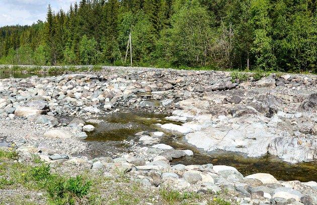 Her er et eksempel på en regulert elv uten vann.