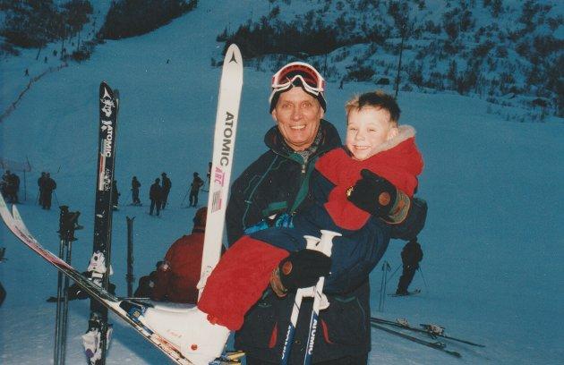 Størst og minst i slalåmbakken, mars 1995: Roar Yttervik (68) og Marius Røste (5).