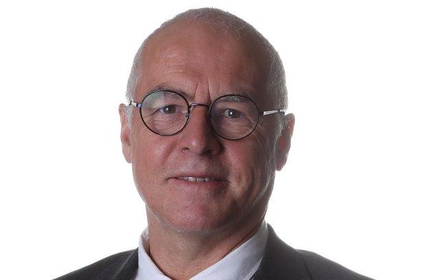 Karl-Hans Rønning, gruppeleder Nordland Senterparti, skriver at regjeringen må gripe inn å øke overføringene til fergefylker.