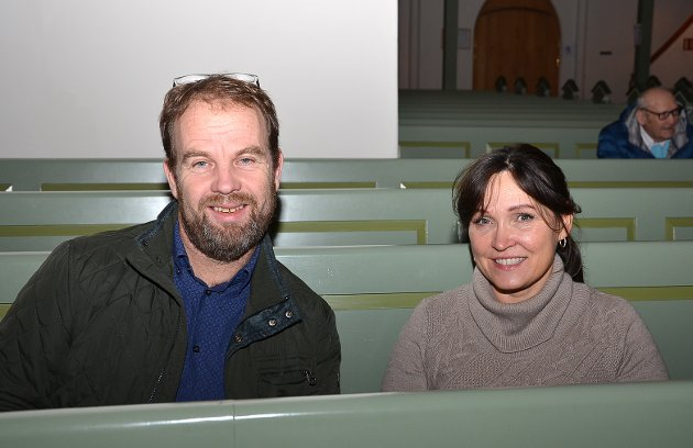 TRADISJONSRIK JULESTEMNING: – Vi går på denne konserten hvert eneste år og får julestemning på den måten, påpeker Morten og Jane Spjudvik.
