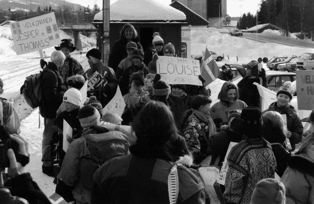 Solvang skole. Besøk fra Danmark. Bildet er datert i Hadelands arkiver 03. mars 1994.