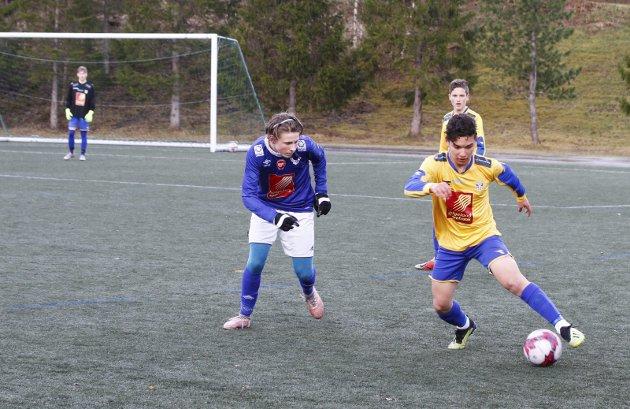 G15 Mosjøen mot Sandnessjøen på Kippermoen 1-5. Dominant spiller på midtbanen hos SIL. Amir Hassan Barbary