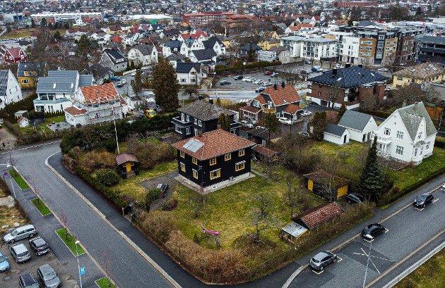 Helge Skår, uavhengig bystyrerepresentant, svarer her på Ole H. Thoresens innlegg vedrørende byutviklingen i Sarpsborg - med utgangspunkt i planene for Dronningens gate 45. (Foto: Tobias Nordli)