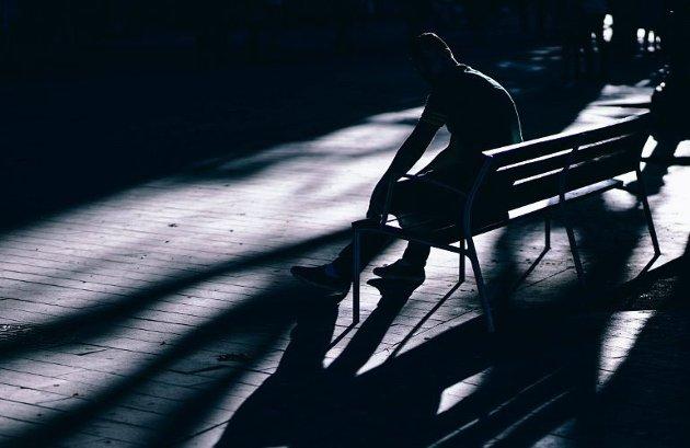 SKAM: Mange som utsettes for psykisk vold og mobbing forteller ingenting til omgivelsene fordi de føler skam, skriver forfatteren.