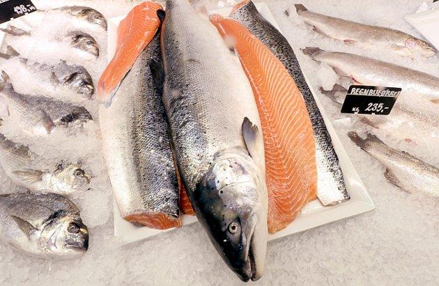Kreft: Nordmenn har lenge spist mer oppdrettslaks enn noen andre. Men vi er ikke blitt friskere av den grunn. Vi er tvert om på verdenstoppen i fire kreftformer. Illustrasjonsfoto