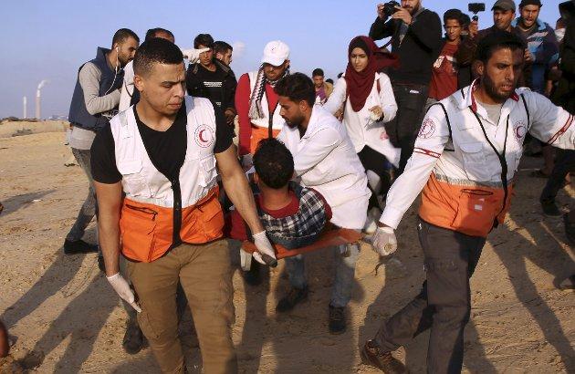 Oddny Miljeteig ynskjer seg eit tilskot til Proteseverkstaden i Gaza til jul. Biletet er frå ein demonstrasjon på Gazastripa i november i år, og er ikkje direkte knytta til saka. FOTO: AP Photo / Adel Hana