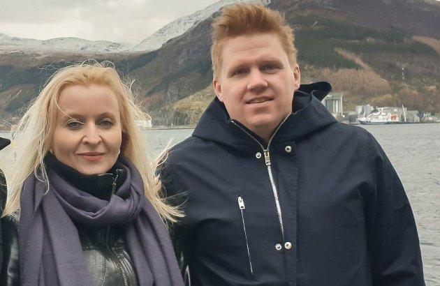 RAUDT SVARAR: Marie Kronen Tveranger og Daniel Henriksson