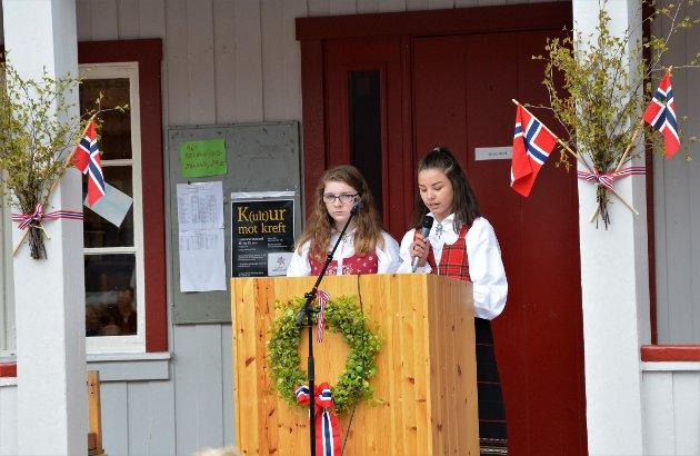 FREDHEIM: Tale for dagen av 7. klasse ved Sara Regine Ottesen og Anna Rebecca Kvande.