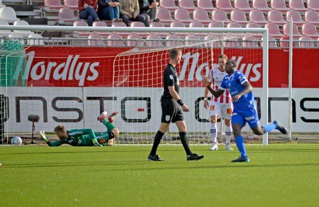 Tromsø  20180805. Haugesunds Ibrahima Koné scorer i kampen mellom Tromsø og Haugesund på Alfheim Stadion. Foto: Rune Stoltz Bertinussen / NTB scanpix