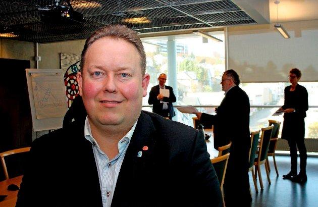 Jarle Heitmann ber kommunestyret vedta at de folkevalgte skal få opplæring i ytringsfrihetens grenser. Det vil være bedre med kurs i det motsatte, en opplæring i hvordan man håndterer meningsmotstandere med saklige, rasjonelle argumenter.