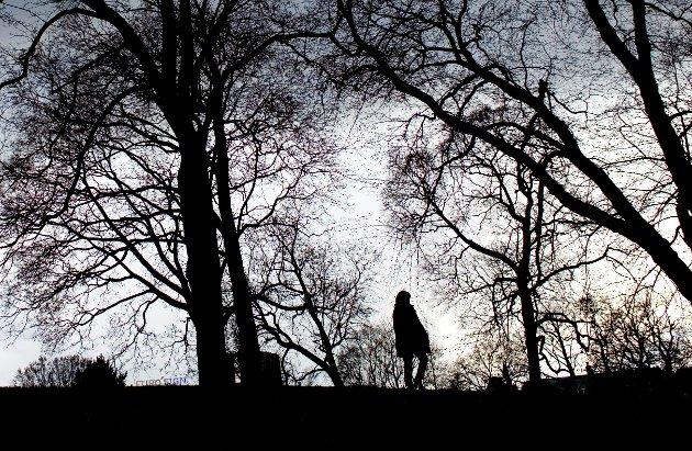 """I selvmordsbrevet som nå sirkulerer i stor fart på Facebook, skriver en 25 år gammel norsk kvinne at det er """"egoistisk å be noen leve bare fordi du ikke hadde klart å håndtere at vedkommende var død"""".(Illustrasjonsfoto)"""