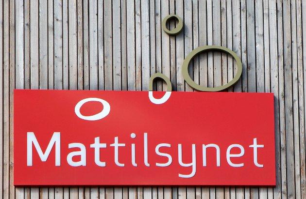 Urovekkjande: Mattilsynet har færre veterinærar og reiser på færre tilsyn.
