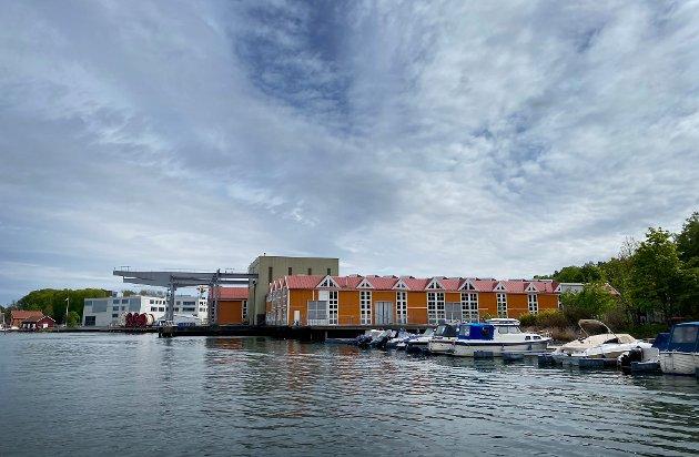 MULIGHETER: Byhistorien ligger i hovedsak på østsiden, mens Kaldnessiden, nærmest er historieløs, skriver Per Mikkelsen.