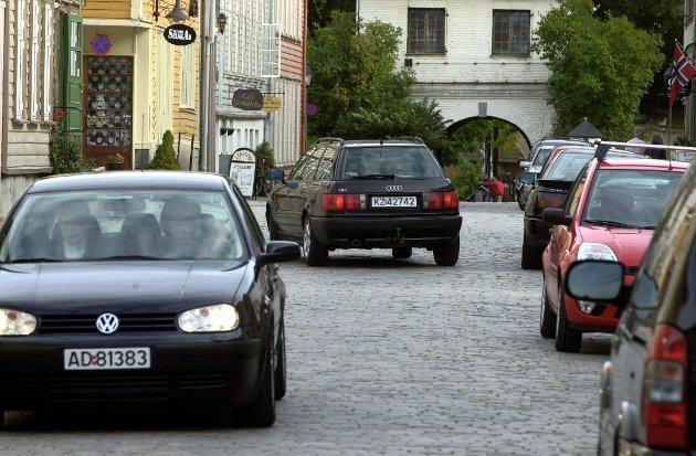 – Turister og andre besøkende kan enten parkere på Kongsten eller ta ferga, mener Rødt og Hermund Arntzen Dale.