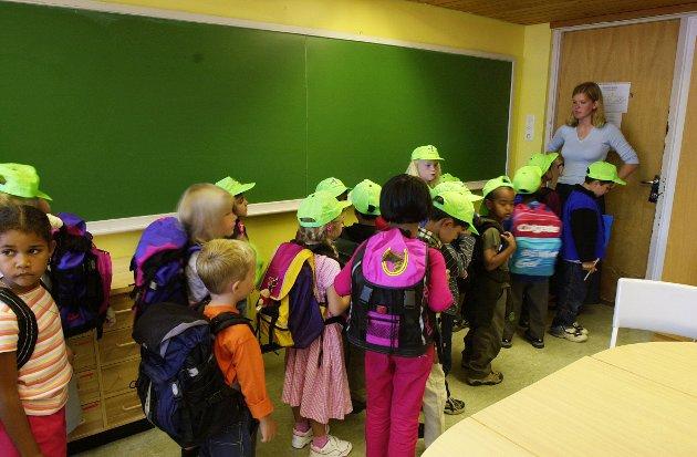 Opplæringen skal gi plass for barns undring og utforsking gjennom lek.