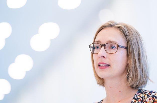 BY OG LAND: Næringsminister Iselin Nybø (V) har ikke fått tak i mange jurister med kontor på bygda, men hun må fortsette å prøve.
