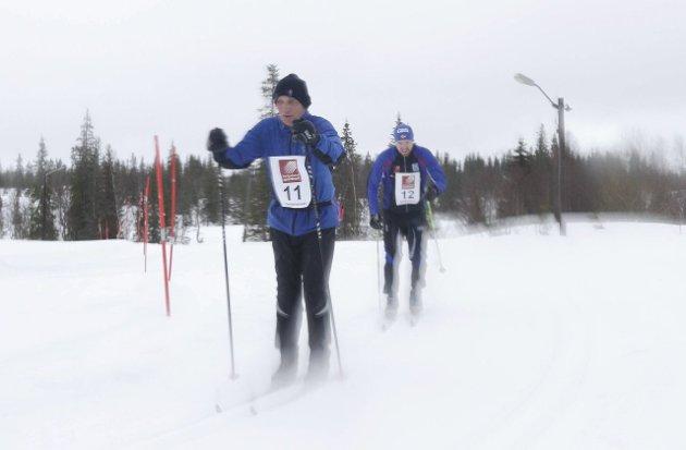 Hjartfjellrennet 2016 gikk i regnvær. Einar Forsjord og Øyvind Forsjord