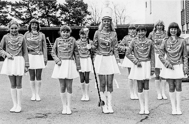 Drilljenter på skoletomta i Kragerø i 1983.