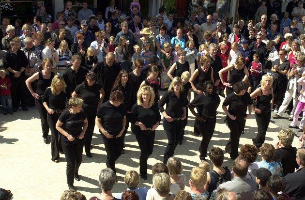 Linedance i Skålagato