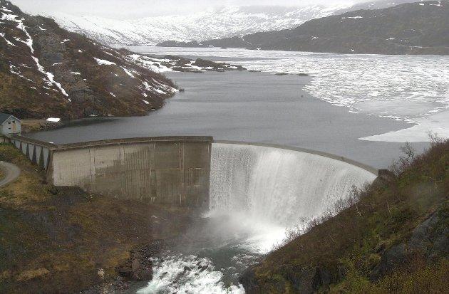 FORSLAG: – Staten svekker muligheten til en offensiv utbygging av norske vannkraftressurser. De svekker eierskapet til de som har utviklet rein fornybar energi, og dette midt i en klimadebatt som har som ett av sine viktige målsettinger nemlig å fremelske utviklingen av fornybar energi.