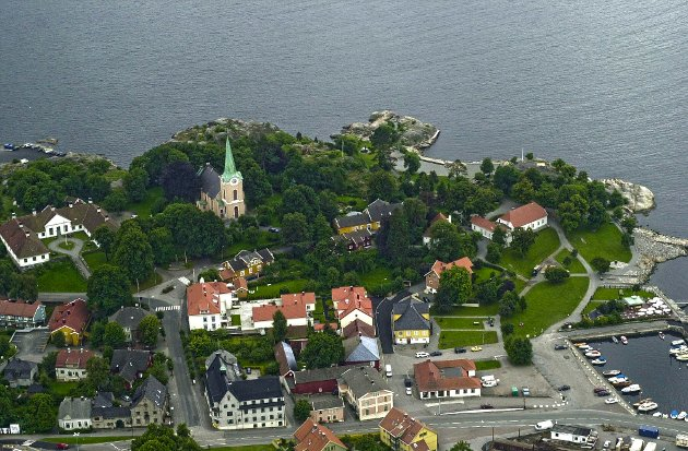 TOLLERODDEN: Artikkelforfatteren mener det er andre steder i Larvik man bør se på.