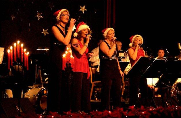 Kvartett: Cantabile og Rakkestad Storband hadde julekonsert i 2005.