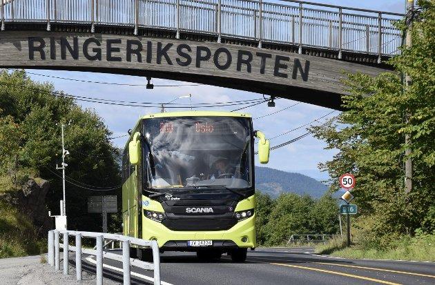 Pendlerne krever endret busstilbud.