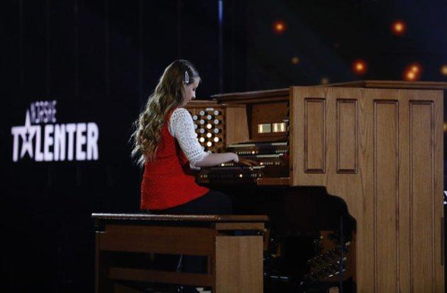 "Victoria deltok i TV-programmet ""Unge Talenter"" i 2019."