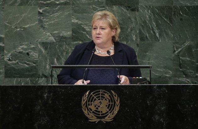 Sentrale kvinner: Man må da være forberedt på at ikke alle våre standpunkter alltid blir godt mottatt, men vi i Høyre føler oss ikke hetset av den grunn, skriver innsenderen som svarer på Kristin Antuns (MDG) innlegg om hets av kvinner i politikken. Høyrepolitikeren tar også fram statsminister Erna Solberg som eksempel på hvor langt vi har kommet i Norge. Foto: NTB scanpix