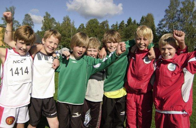 Skolemesterskap på Askim stadion.  Mysen-elevene Magnus Rande, Marius Belstad Johnsen, Borgar Øen Kopperud, Espen Hoff Gulbrandsen, Eivind Jacobsen, Lars Magnus Haugen og Jørgen Lausund Grinna.