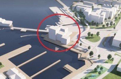 HOTELLPLAN: Innsenderen er ikke imponert over forslag til nytt hotell på Rustadbrygga. Politikerne har siste ord i saken.