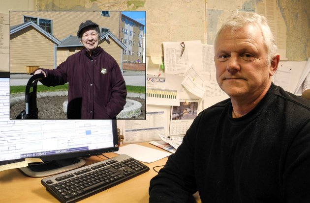 TAKK: Hillgund Klavestad (innfelt) takker fagkoordinator i Halden kommune, Roy Prang, for at han tok tak da Klavestad og andre beboere på Vaterland klagde på vond kloakklukt.