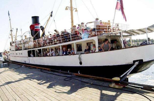 FULL SKUTE: En av de siste turene før skipet gikk i dokk.
