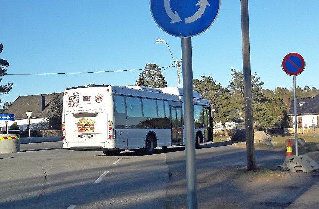 IKKE BRA: VKT betegner passasjerveksten som en suksess, men er det i realiteten det når antall busser og avganger har økt med 100 prosent og antall passasjerer kun med 20 prosent, spør innsenderne.