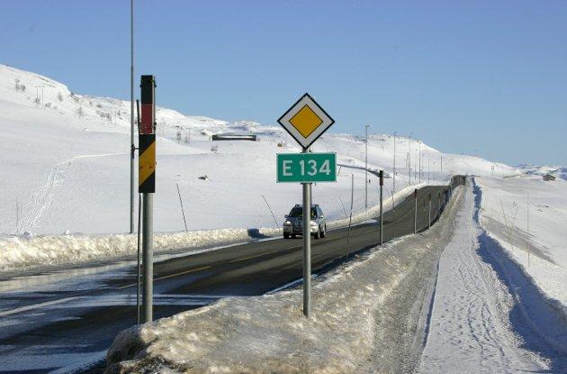 Egil severeide: Vintersikker vei over Haukeli. A neverending story. Arkivfoto: Bjarte Amble