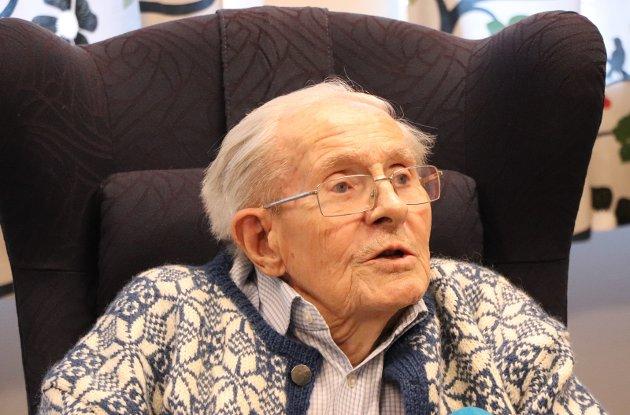 Først: Sven Svensen fikk den første covid-vaksinen i Haugesund.