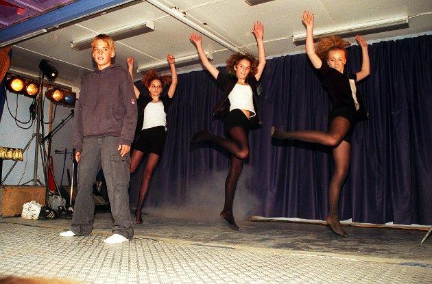 Tiendebytte i 2004. Scenen er din under Tiendebytte i Mosjøen. Lou Bega fikk tredjeplass.