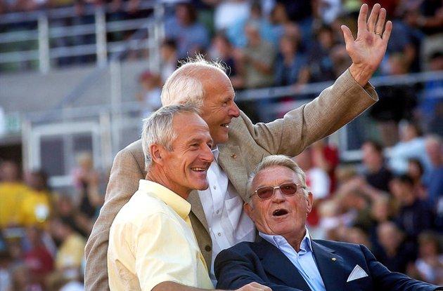 Hvorfor er dette bildet tatt av frilansfotograf Tor Ivar Viken av tre gamle menn så viktig?