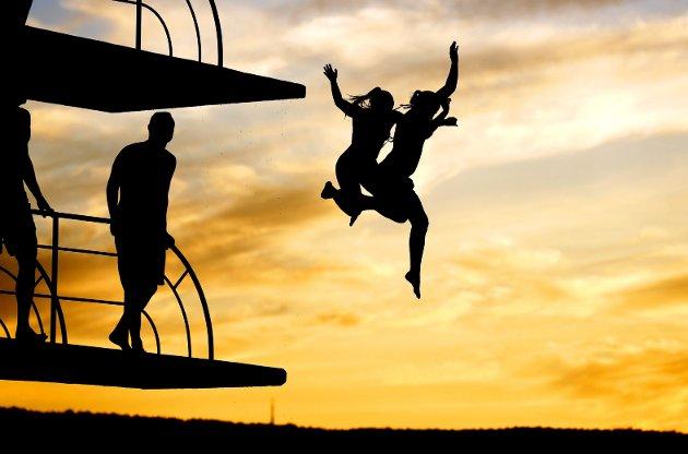 – For mange har sommeren bare blitt noe å grue seg til og frykte. For selv nå, i en periode der alt er annerledes, er det en ting som er som det alltid har vært: Fokuset på og overskriftene om «sommerkroppen». Illustrasjonsfoto: Cornelius Poppe / NTB