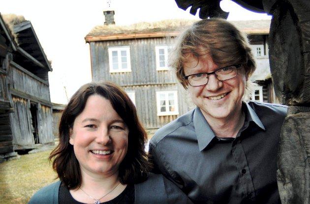 FLYTTET FRA OSLO: Jeg hadde aldri fått de mulighetene eller kunnet realisere alle ideene mine om jeg ikke hadde flyttet fra Oslo til Vågå, skriver Mette Vårdal. På bildet fra Gammel Kleppe er hun sammen med sin mann Vegar Vårdal.