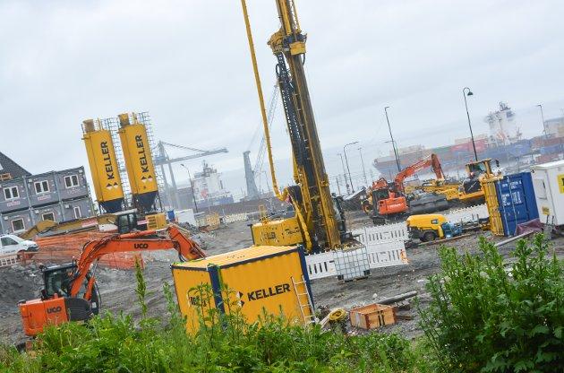 TILSVAR: Bane NORs prosjektsjef forklarer utbedringsalternativene og konsekvenser for Fjordveien.