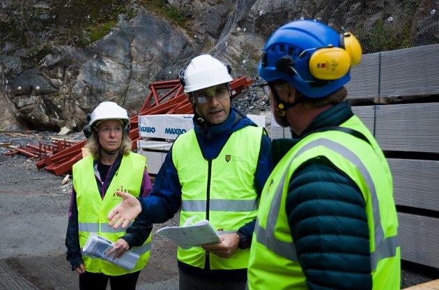 Fra venstre: Prosjektleder Aud Val, prosjektsjef Alan Raouf og kommunikasjonsrådgiver Jan Walbeck fra Oppegård kommune.