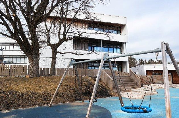 LEKEPLASSER: Forfatteren skriver om lekeplasser. Dette bildet er hentet fra Fagerli skole og er tatt i en annen sammenheng.